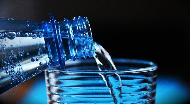 bottle-2032980_640(1).jpg